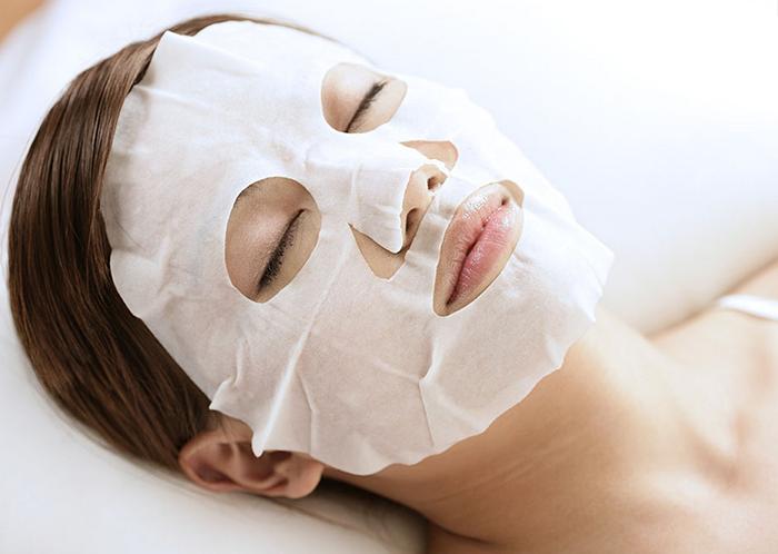 Осветляющая тканевая маска с кремовой пропиткой на основе ослиного молока Elizavecca Silky Creamy Donkey Steam Cream Mask Pack фото 6 / Sweetness