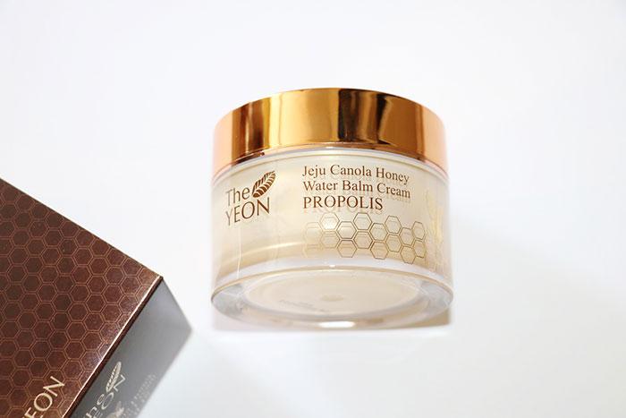 Увлажняющий крем-бальзам для лица с мёдом The Yeon Jeju Canola Honey Water Balm Cream Propolis фото 1 / Sweetness