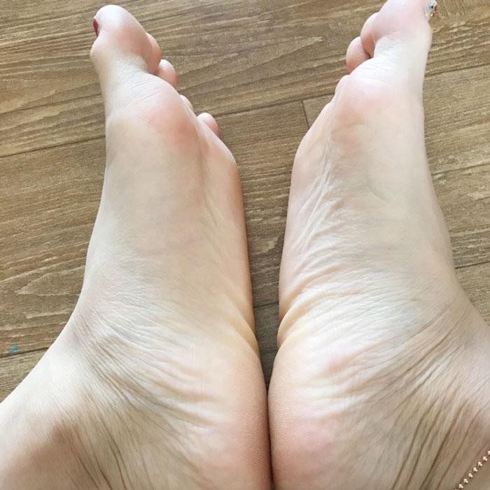 Пилинг носочки A'PIEU Soft Foot Peeling Socks фото 7 | Sweetness