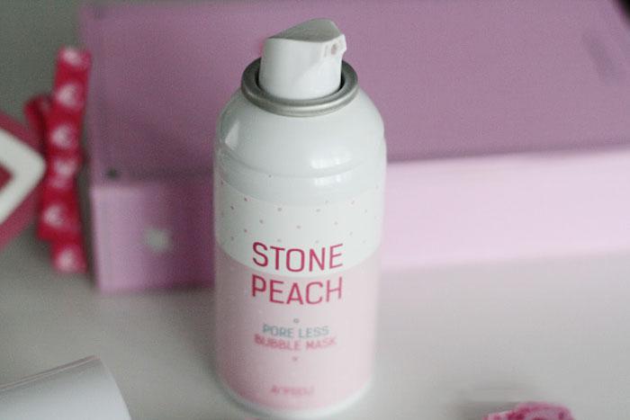 Кислородная очищающая и сужающая поры маска A'PIEU Stone Peach Poreless Bubble Mask фото 3 | Sweetness