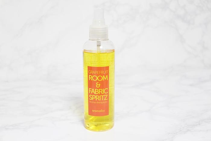 Аромаспрей с натуральным эфирным маслом грейпфрута AROMATICA Grapefruit Room & Fabric Spritz фото 2 | Sweetness
