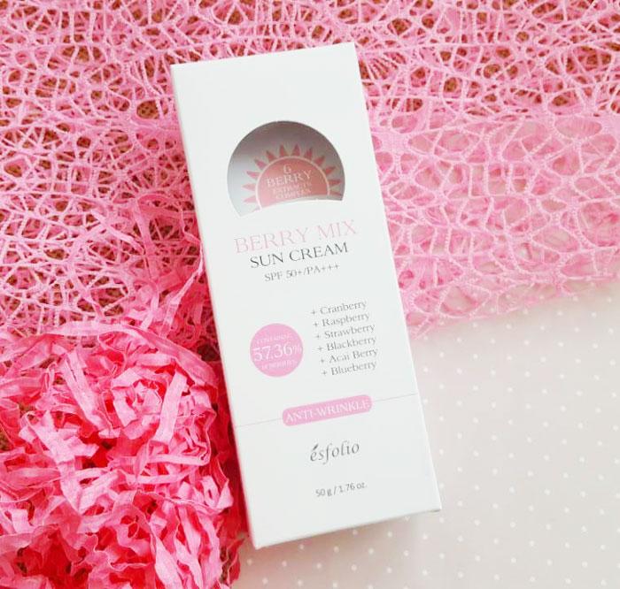 Ягодный солнцезащитный крем Esfolio Berry Mix Sun Cream SPF 50+/PA+++ фото 2 | Sweetness