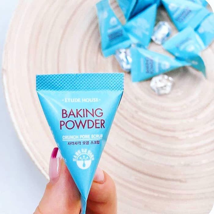 Etude House Baking Powder Crunch Pore Scrub Скраб для лица в пирамидках фото 3 / Sweetness