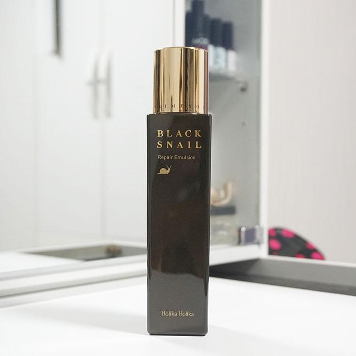 Упаковка эмульсии с черной улиткой Holika Holika Black Snail Repair Emulsion фото 1   Sweetness