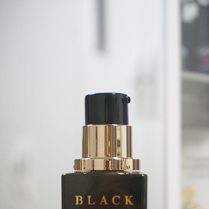 Упаковка эмульсии с черной улиткой Holika Holika Black Snail Repair Emulsion фото 2   Sweetness