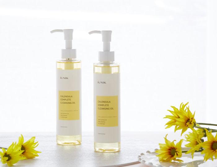 Успокаивающее очищающее гидрофильное масло с календулой IUNIK Calendula Complete Cleansing Oil фото 2 / Sweetness