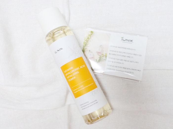 Увлажняющий витаминно-гиалуроновый тонер IUNIK Vitamin Hyaluronic Acid Vitalizing Toner фото 2 / Sweetness