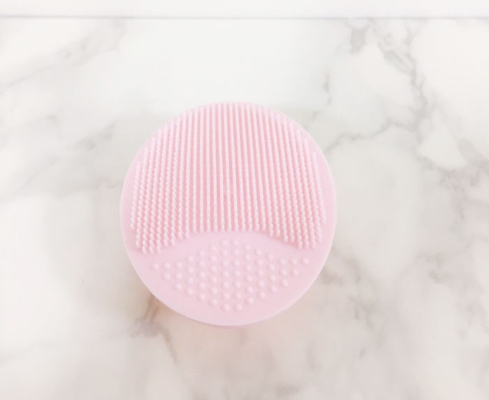 Силиконовая щетка для чистки лица Missha Cleansing Pad фото 4 / Sweetness