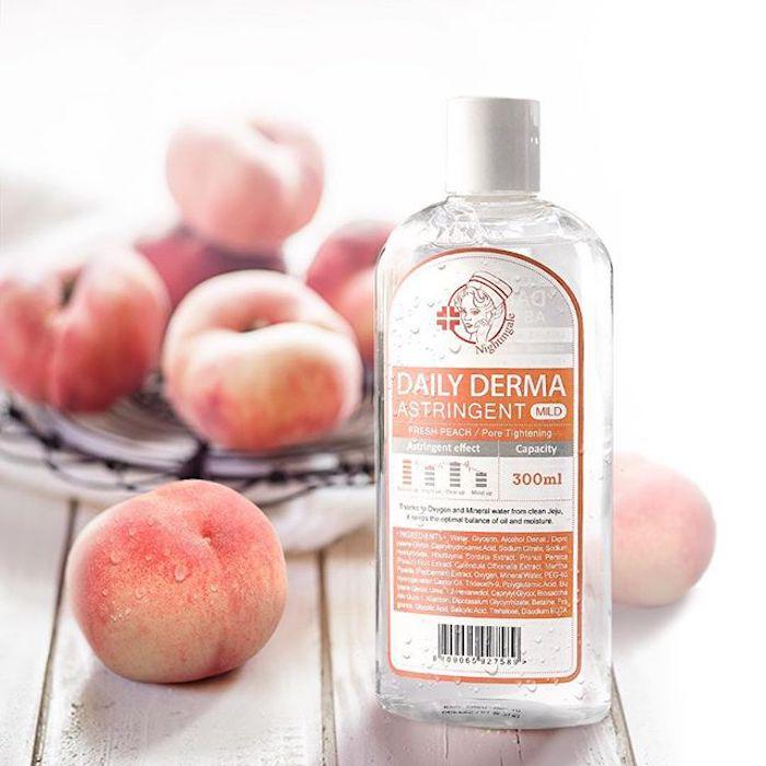 Мягкий тонер-пилинг с AHA и BHA кислотами Персиковый Nightingale Daily Derma Astringent Peach фото 2/ Sweetness