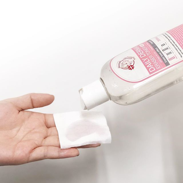 Мягкий тонер-пилинг с AHA и BHA кислотами и розой Nightingale Daily Derma Eraser Toner Aroma Rose фото 4 / Sweetness