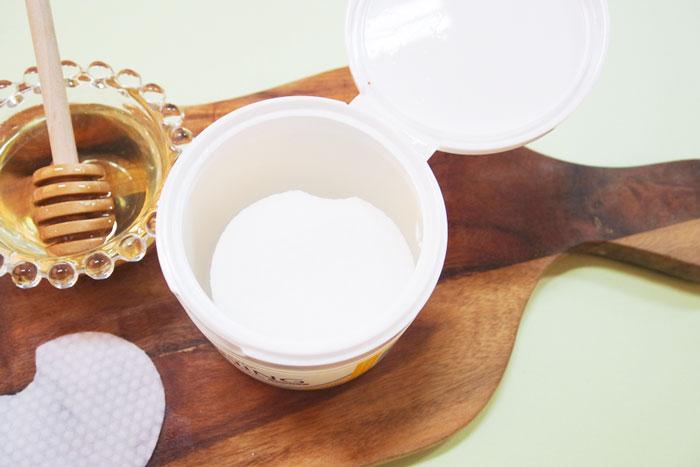 Спонжи для мягкого кислотного (1%) пилинга кожи с медом(50 шт) Nightingale Toning Peeling Pads Honey (50pads) фото 5 | Sweetness