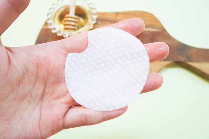 Спонжи для мягкого кислотного (1%) пилинга кожи с медом(50 шт) Nightingale Toning Peeling Pads Honey (50pads) фото 6 | Sweetness